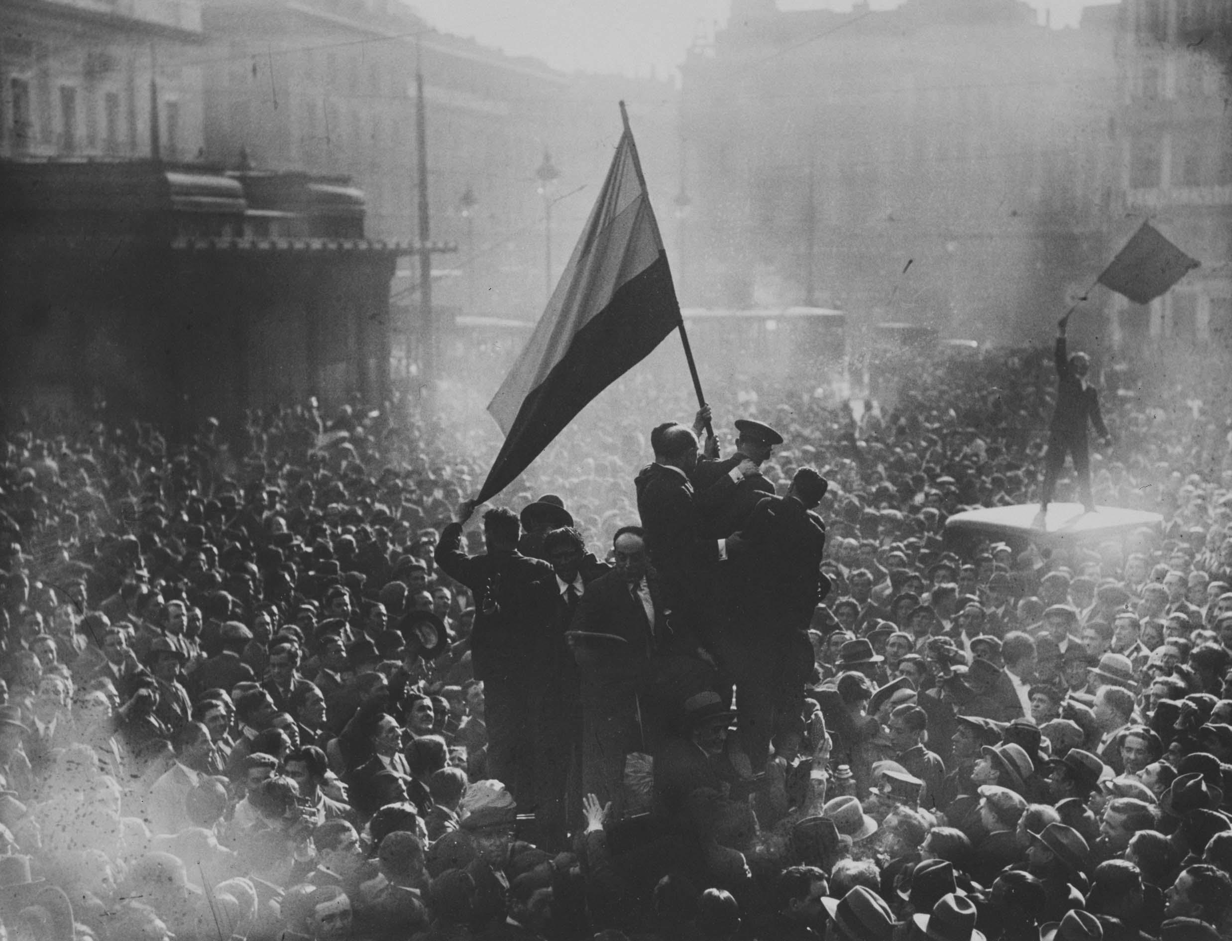 La Segunda República La Constitución De 1931 Política De Reformas Y Realizaciones Culturales Reacciones Antidemocráticas Historia Local Y Social